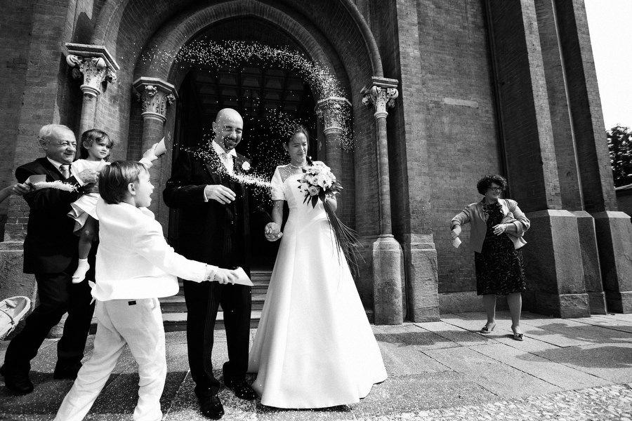 ceremony rice at italian wedding in italy