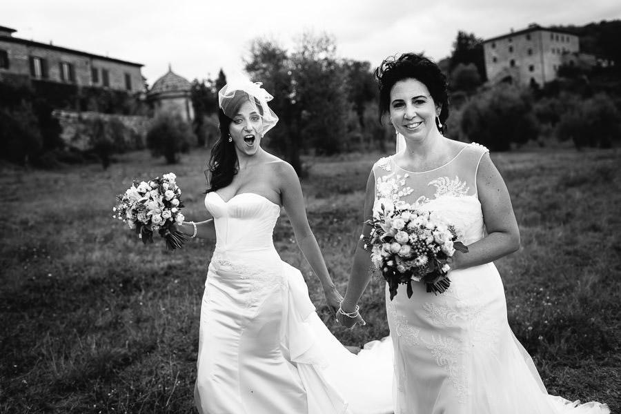Lesbian wedding Tuscany