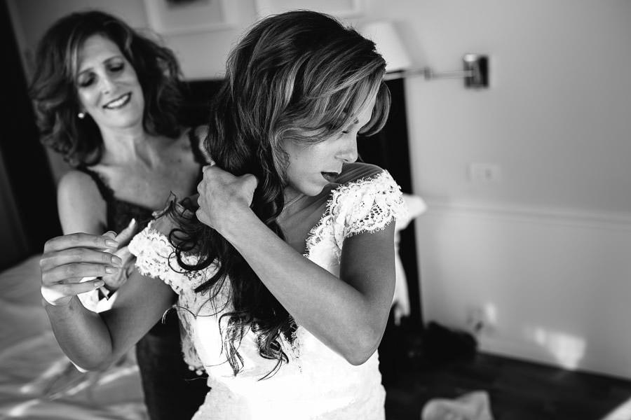 bride getting ready wedding taormina