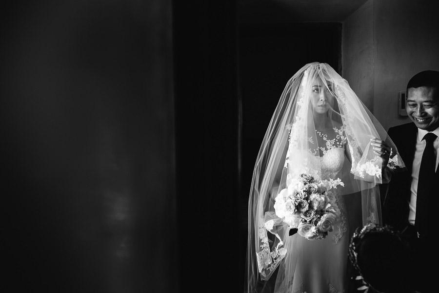 Castello di Gabbiano Bride Photographer