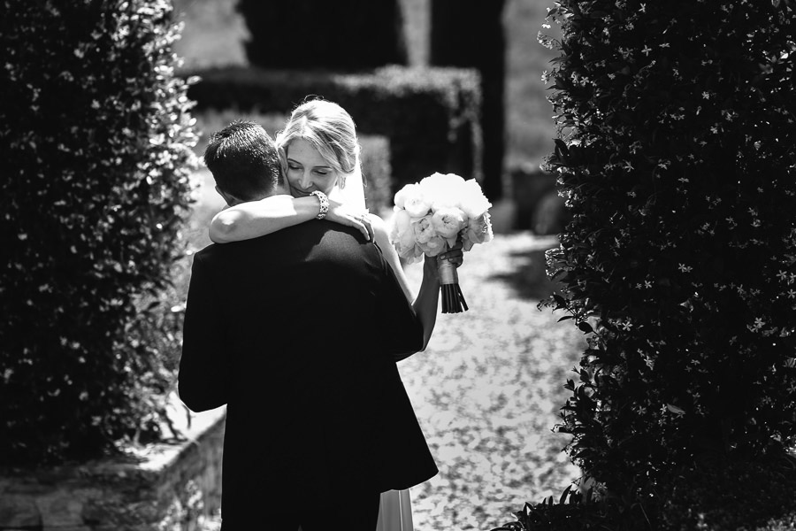 tuscany wedding photographer first view bride and groom