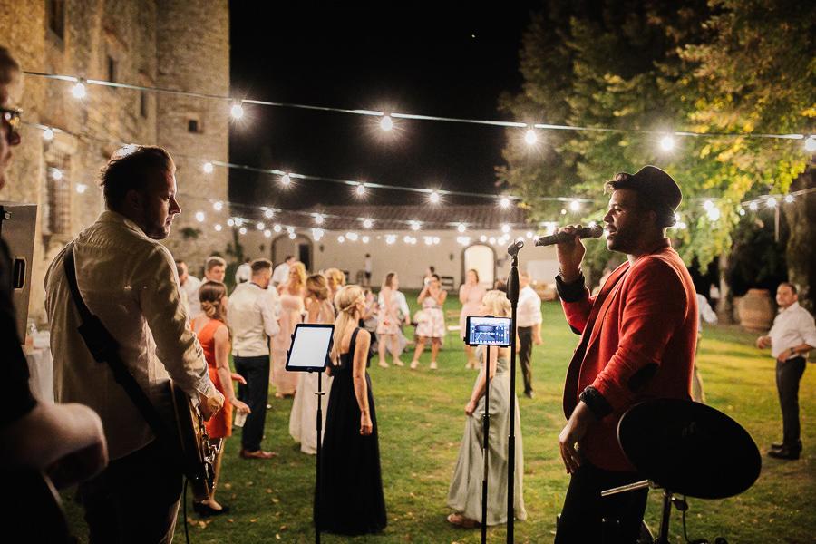 Matrimonio Gay Toscana : Castello di meleto fotografo matrimonio in toscana
